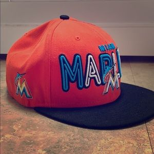 Miami Marlins strap back men's hat
